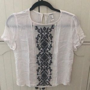 FOREVER 21 WHITE EMBROIDED SHIRT